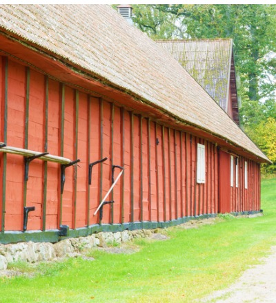 An older barn needing Pole Barn Repair near Ottawa IL